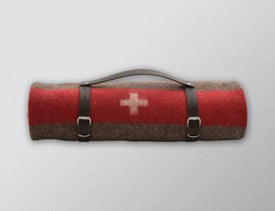 Eskimo Swiss army blanket rolled with leather belt (brown)